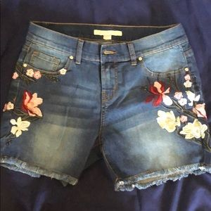 NWT Boston Proper Embroidered Floral Jean Shorts